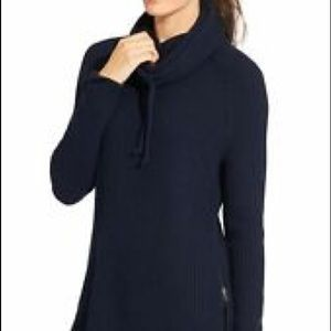 Athleta Active Sweater black with thumb holes